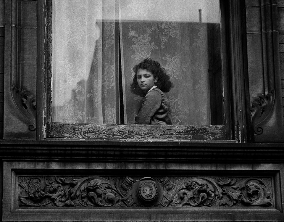 Harold Feinstein, Girl in Harlem Window, New York, 1948